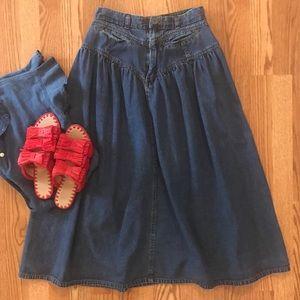 Vintage Jordache denim midi/maxi skirt